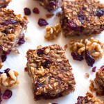 5-Ingredient Banana Oatmeal Craisin Bars | www.grainchanger.com
