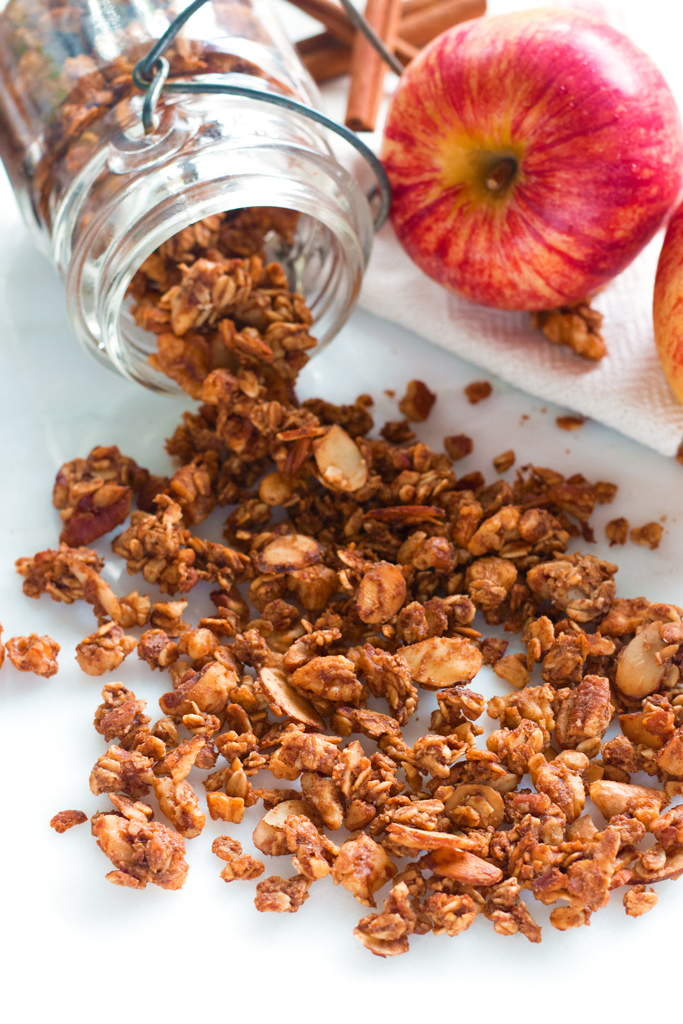 Apple Pie Granola | www.grainchanger.com