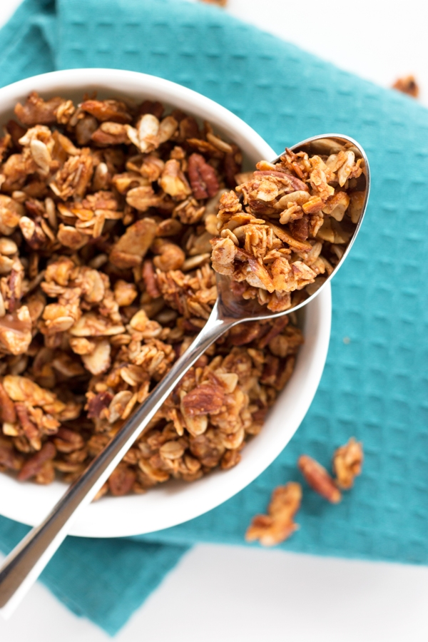 The BEST granola around - Cinnamon Nut Granola | www.grainchanger.com
