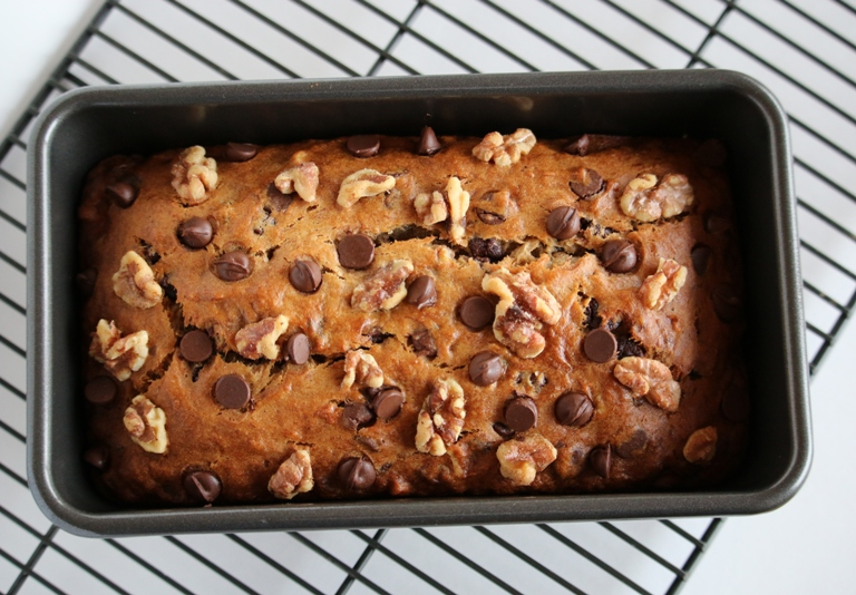 Gluten free walnut chocolate chip banana bread grain changer gluten free walnut chocolate chip banana bread forumfinder Image collections