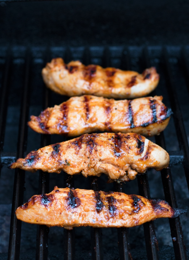 Spicy Chipotle Grilled Chickin Marinade -- the PERFECT summer grilling recipe | www.grainchanger.com