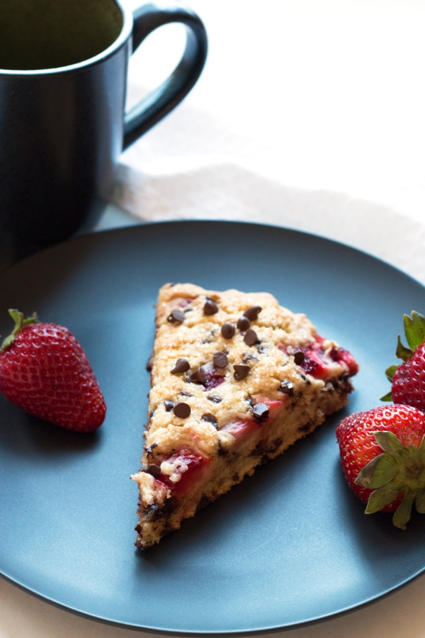 These Gluten-Free Strawberry Chocolate Chip Sones are alomst cake like -- coffee option (but always recommended!) | www.grainchanger.com