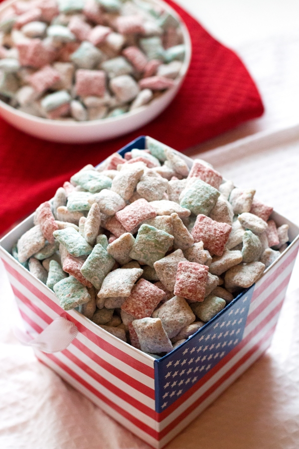 Patriotic Cake Batter Puppy Chow - perfect for your Memorial Day or 4th of July picnic! | www.grainchanger.com
