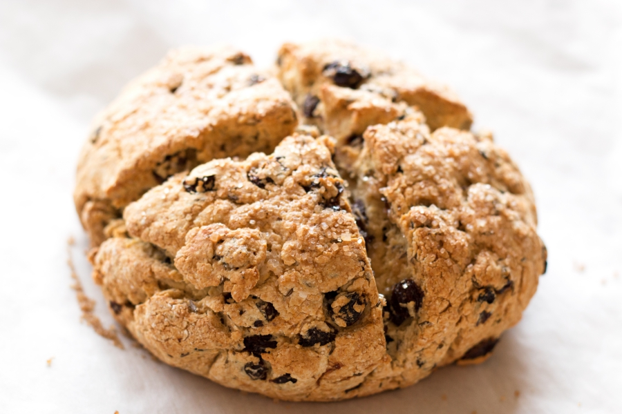 Gluten-Free Irish Soda Bread - the perfect St. Patty's treat! | www.grainchanger.com