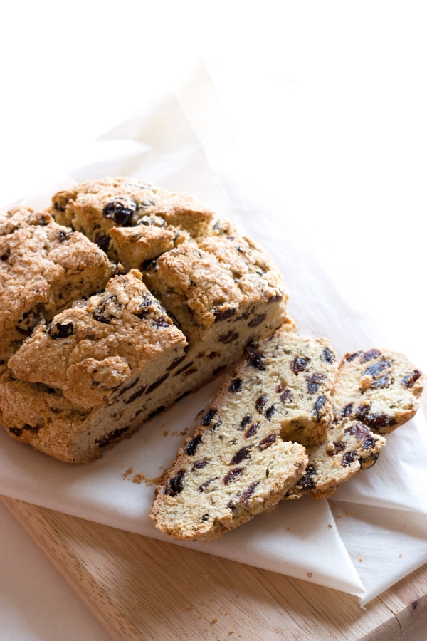 Gluten-Free Irish Soda Bread - hearty and rustic. Perfect for St. Patty's! | grainchanger.com