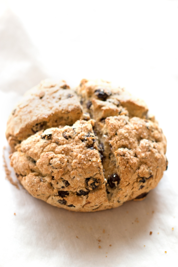 Gluten-Free Irish Soda Bread. An easy must-make recipe for St. Patrick's Day | grainchanger.com