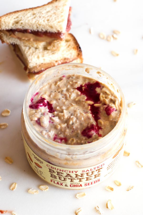 Peanut Butter and Jelly Overnight Oats | www.grainchanger.com
