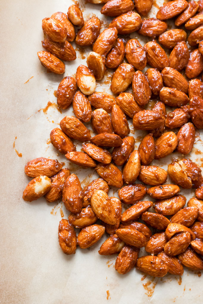 Pumpkin Spice Candied Almonds | www.grainchanger.com
