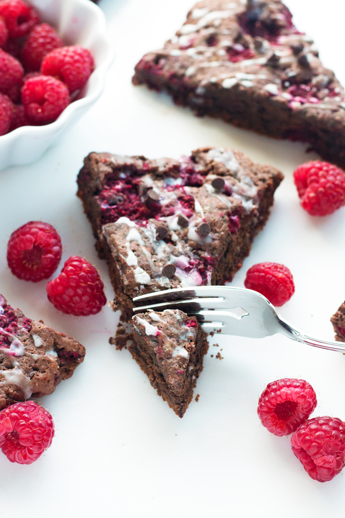 Gluten-Free Chocolate Raspberry Scones | www.grainchanger.com