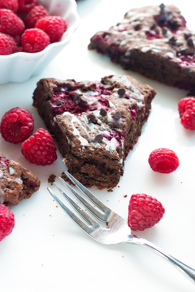 Gluten-Free Raspberry Chocolate Scones | www.grainchanger.com