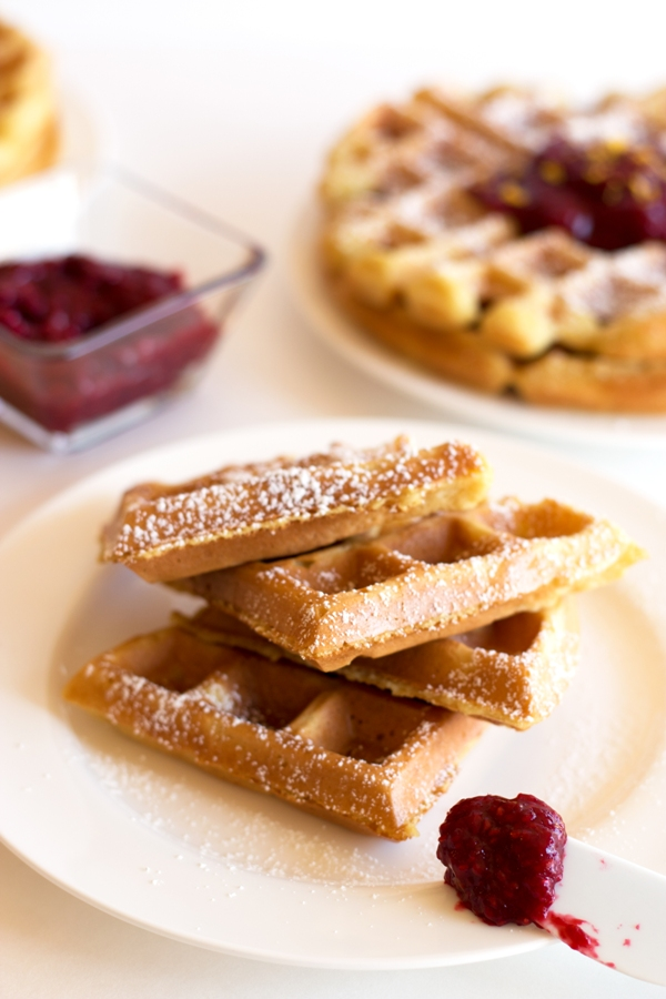 These gluten-free buttermilk waffles are the perfect way to pamper mom this Mother's Day | www/grainchanger.com