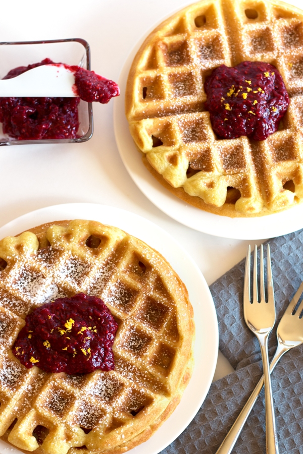 Gluten-Free Buttermilk Waffles with Raspberry - the best brunch, ever | www.grainchanger.com