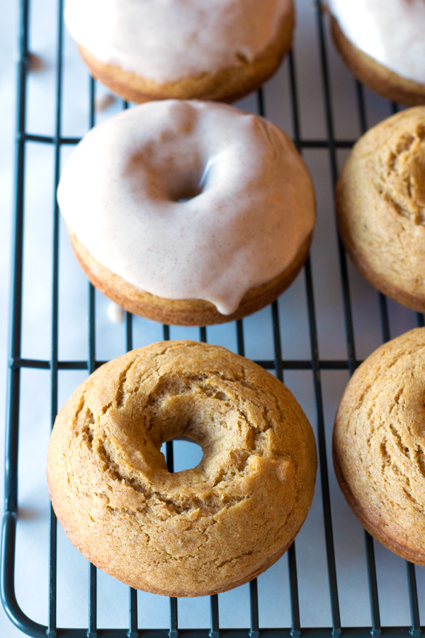 Gluten-Free Pumpkin Spice Donuts with a Maple Cinnamon Cream CheeseGlaze! | www.grainchanger.com