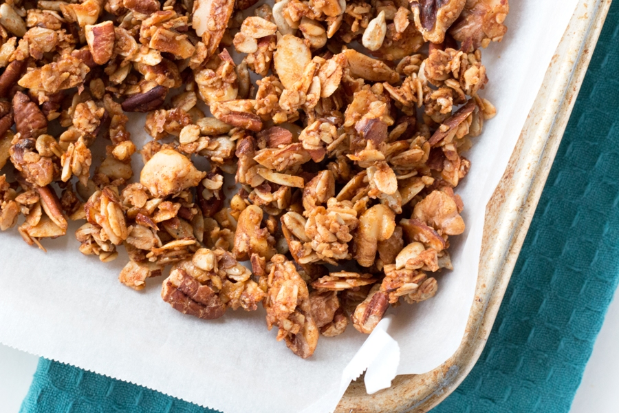 Cinnamon Nut Granola - Gluten-free and simply the best! |www.grainchanger.com