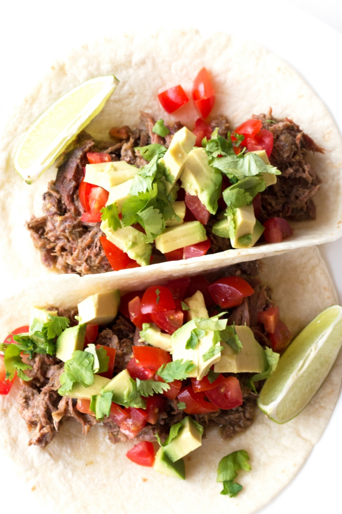 Salsa Verde Beef Tacos - Gluten-free, Paleo, and SO easy | www.grainchanger.com