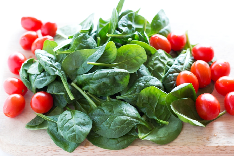 Spinach and Tomatoes for Frittata |www.grainchanger.com