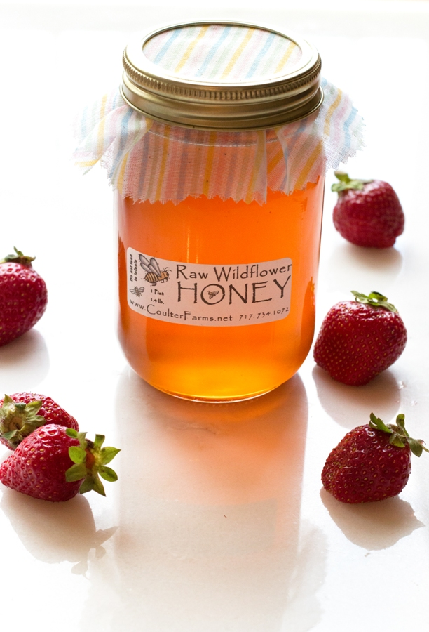 Strawberris + Honey - best combo EVER! Loving Strawberry Honey | www.grainchanger.com