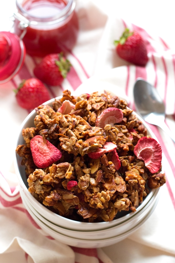 granola strawberry almond granola bark recept yummly strawberry almond ...