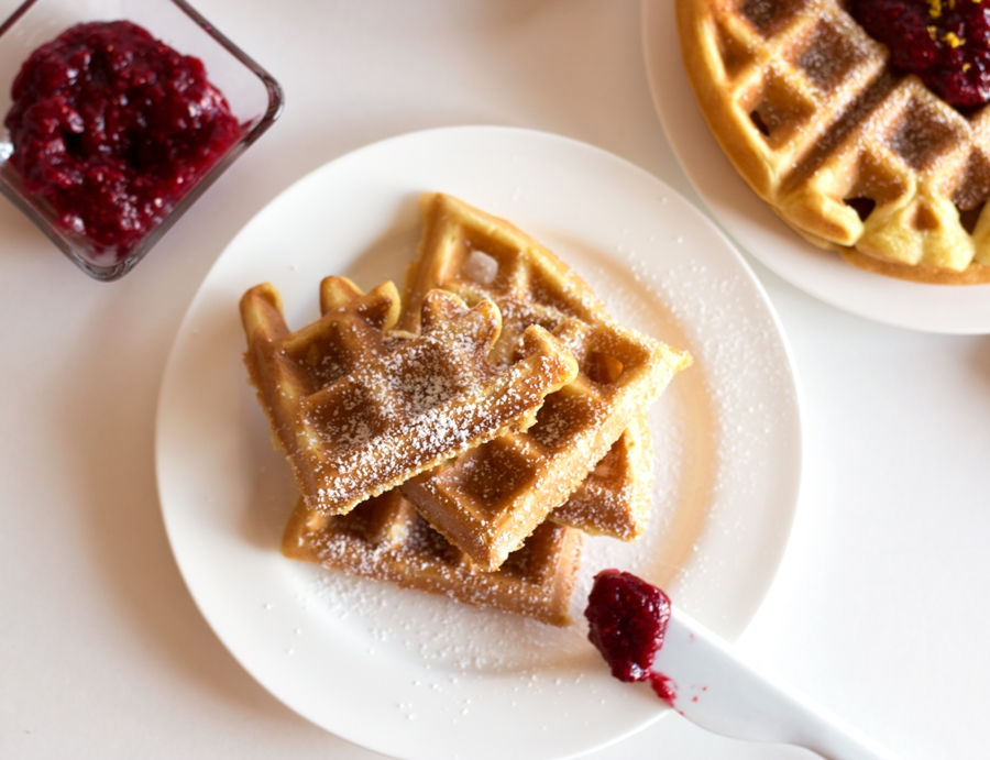 Gluten-Free Buttermilk Waffles with Raspberry Compote -- INCREDIBLE! | www.grainchanger.com