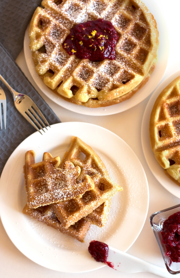 Gluten-Free Buttermilk Waffles with Raspberry Compote - stepping my brunch game, one waffle at a time | www.grainchanger.com