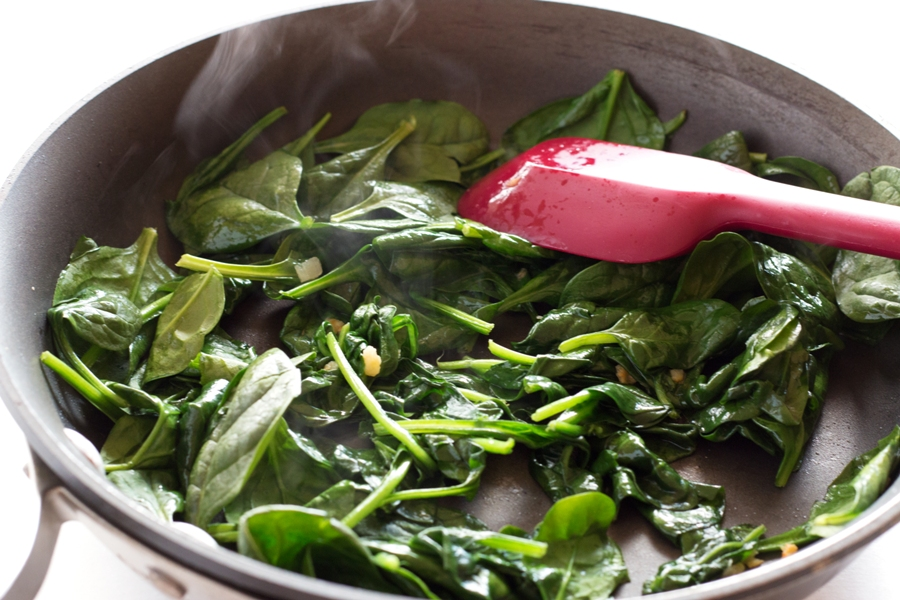 Wilting Spinach for Frittata |www.grainchanger.com