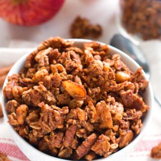 Apple Pie Granola | www.grainchanger.com