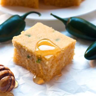Gluten-Free Honey Jalapeno Cornbread | www.grainchanger.com