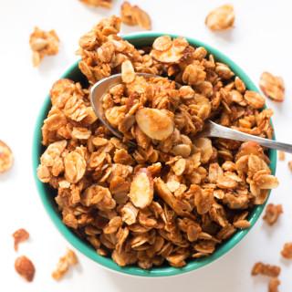 Peanut Butter Granola | www.grainchanger.com
